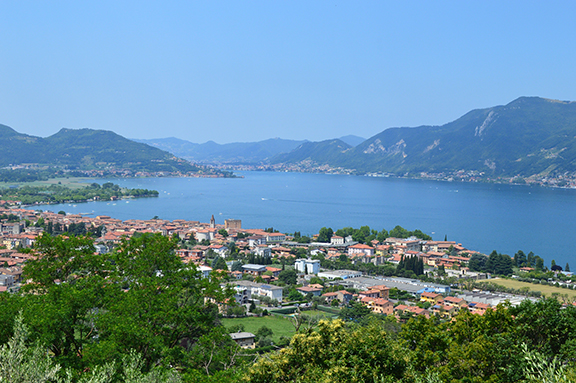 lake iseo christo